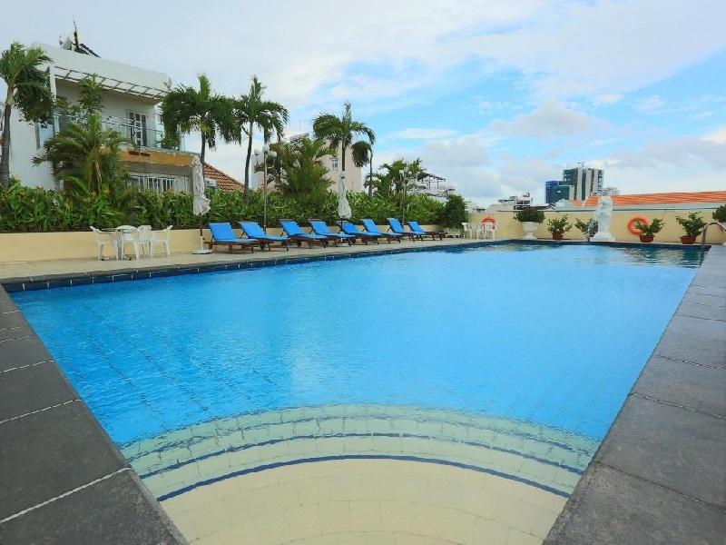 vì sao khách sạn/homestay nên có hồ bơi