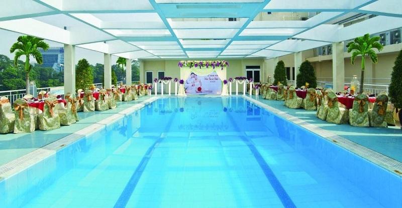Review hồ bơi khách sạn Victory siêu đẹp