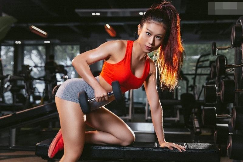 Gái xinh tập mông Hàn Quốc