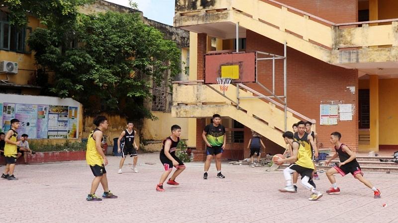 làm sân bóng rổ mini tại nhà