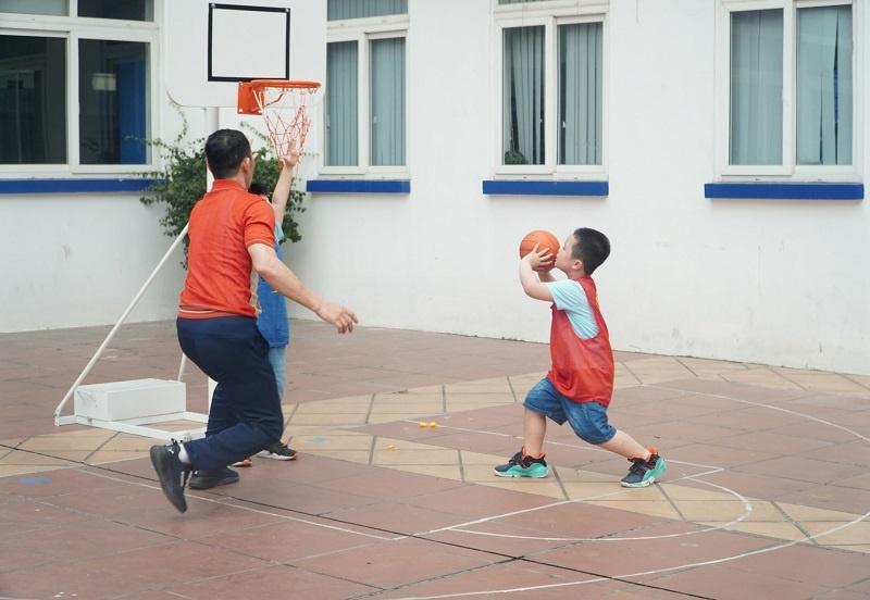 Bóng rổ giúp phát triển chiều cao cho trẻ hiệu quả