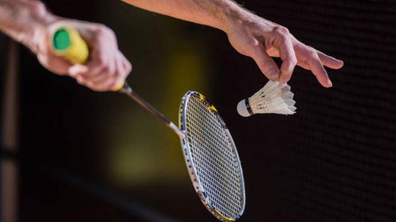 Học cách cầm vợt cầu lông như thế nào mới đúng kỹ thuật?