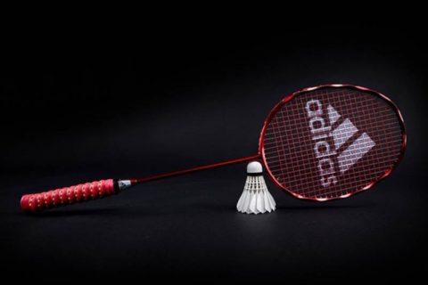 Giúp bạn giải đáp thắc mắc vợt cầu lông adidas có tốt không