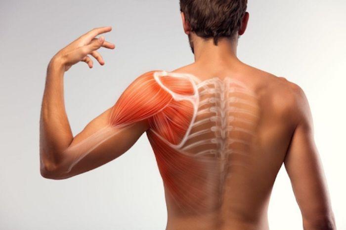rách cơ bắp tay có nguy hiểm không
