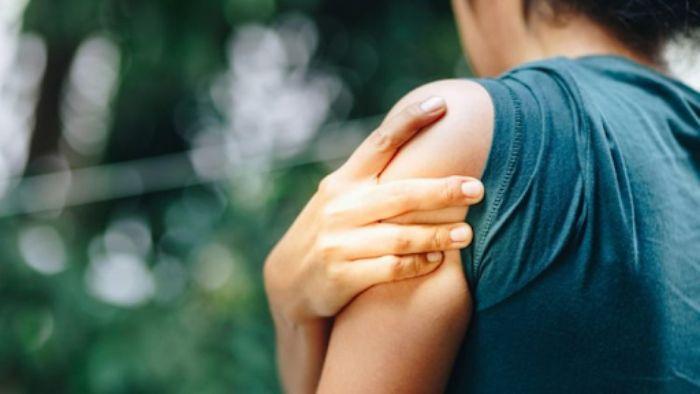 Rách cơ bắp tay hồi phục cũng khá lâu